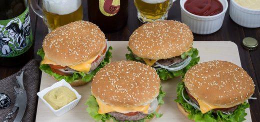 Hamburger: il panino americano che piace tanto agli italiani