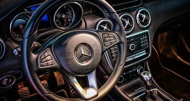 Come sostituire le batteria nella chiave Mercedes
